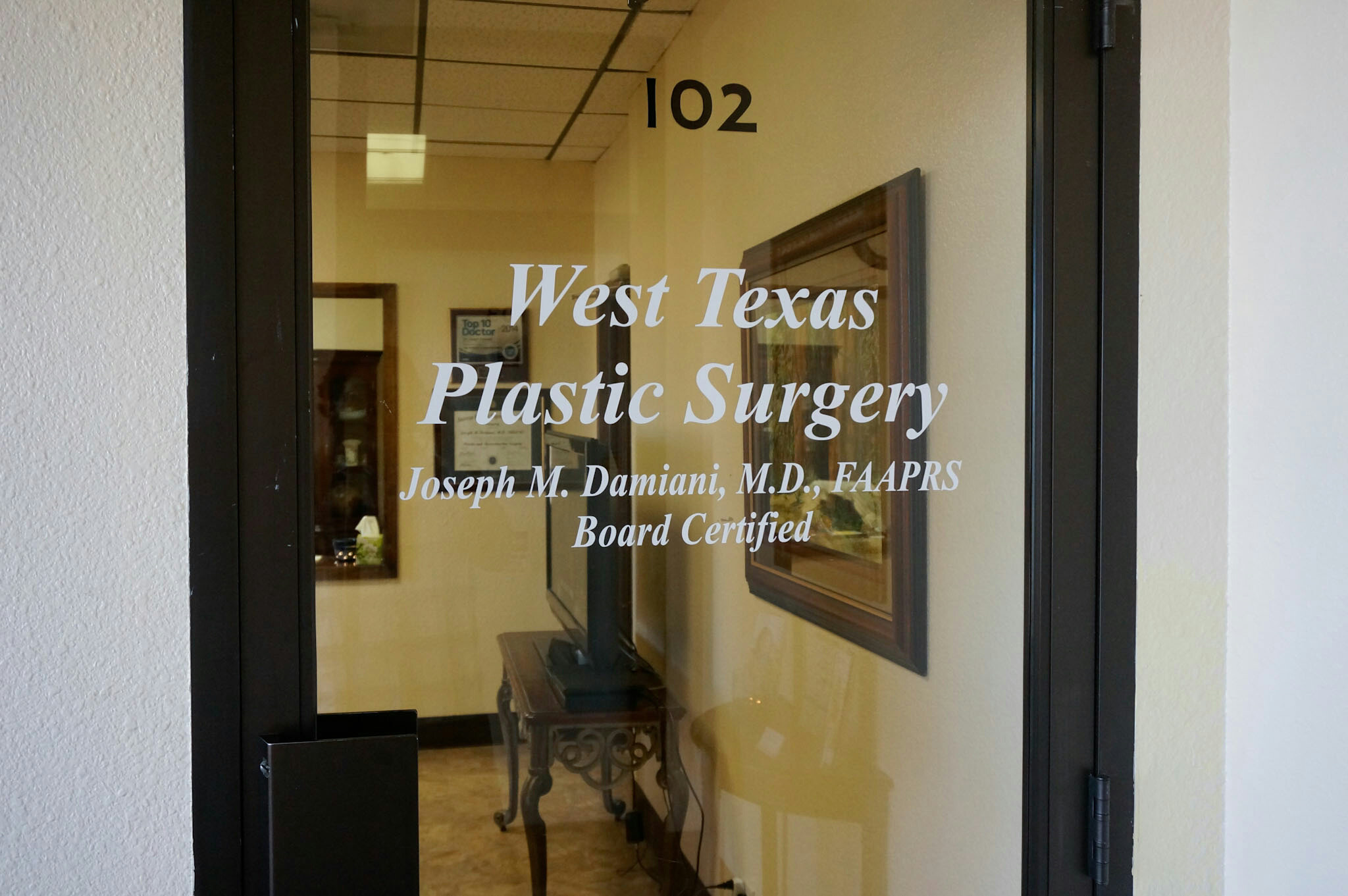 Entrance at West Texas Plastic Surgery, Joseph M. Damiani, M.D., FAAPRS Board Certified Plastic Surgeon